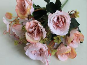 Букет роз с добавками зз см.
